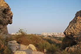 New developed city contrasts with the ancient city of Ashkelon